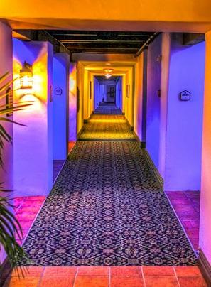 Perfekcyjne oświetlenie mieszkania? Lampy sufitowe!